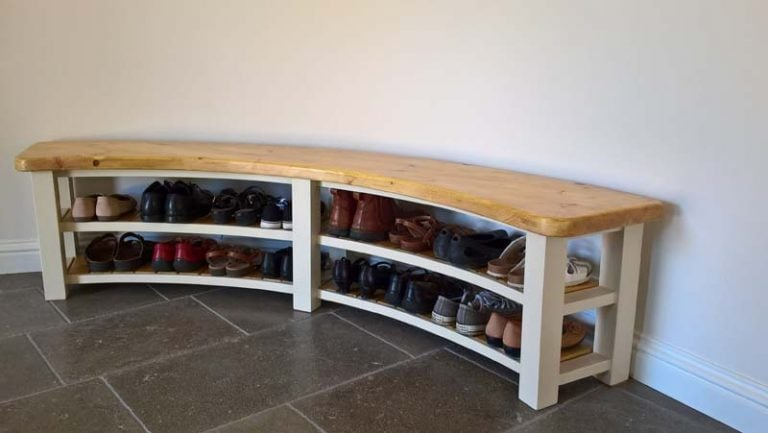 Curved Bench with shoes